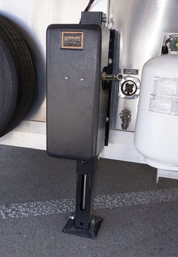 12 000 Lb Jack With Backup Hand Pump Double The Capacity